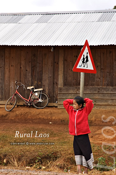 laos_rural_girlsign